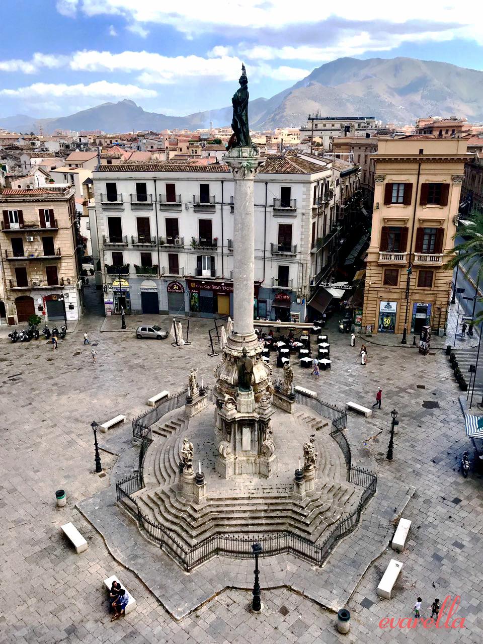 Blick von der Dachterrasse auf die PIazza San Dominico und die Vucciria –La Rinascente Palermo