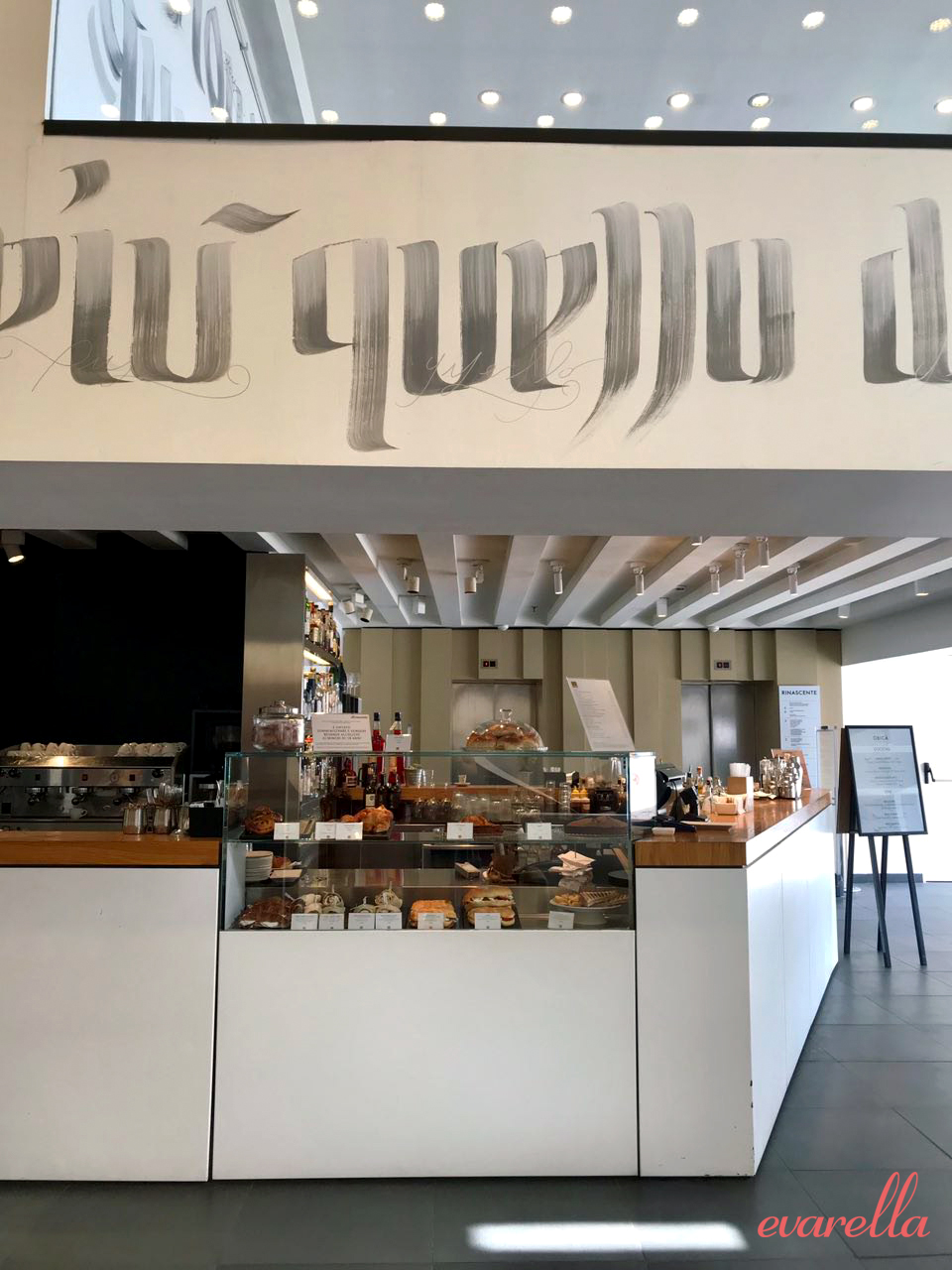Café- & Bar-Bereich – La Rinascente Palermo